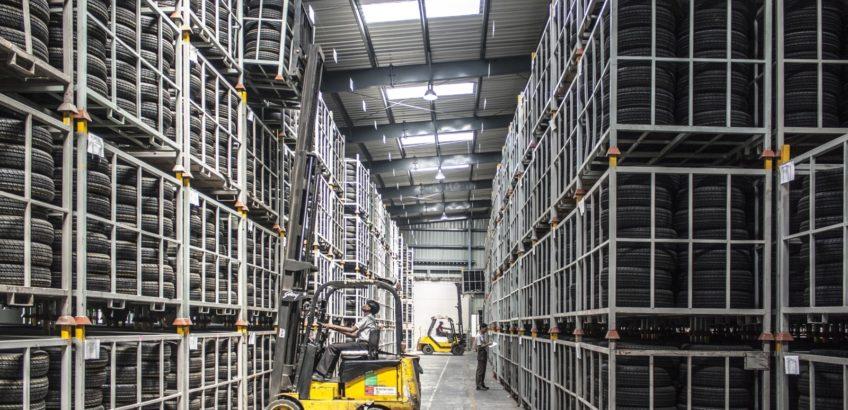 forklift-warehouse-machine-worker-industry-pallet